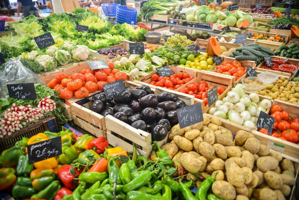 Quer ser mais feliz? Coma mais frutas e legumes diariamente, segundo pesquisa recente